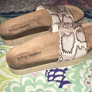 💥💥dirty laundry platform sandals